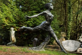 Donna Al Vento by Bruno Locatelli at The Sculpture Park