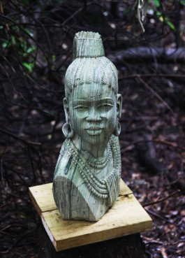 Shona Queen by Eliot Katombo at The Sculpture Park