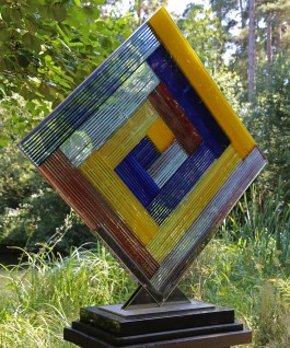 Martyn Barratt, De Stijl, Glass Sculpture at The Sculpture Park