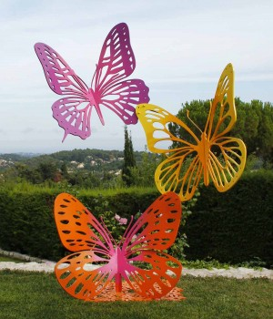 Composition 3 papillons (Butterfly Trio) by Danu at The Sculpture Park