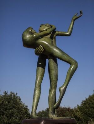 Large Dancing Frogs by David Meredith at The Sculpture Park