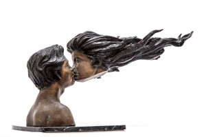 Kiss by Anon Unknown at The Sculpture Park