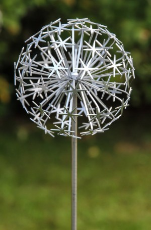 Allium Stem - Silver (full) by Ruth Moilliet at The Sculpture Park