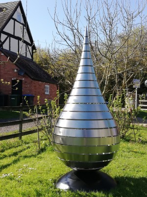 Teardrop by Richard Cresswell at The Sculpture Park