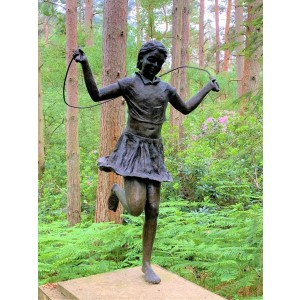 Girl Skipping by Olwen Gillmore at The Sculpture Park