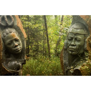 African King and Queen by Joe Mutasa at The Sculpture Park